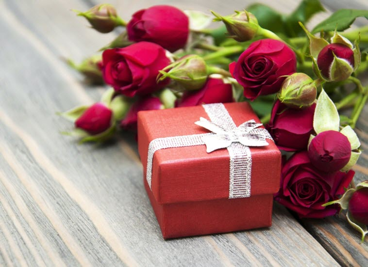 Короткие и красивые поздравления с 8 марта