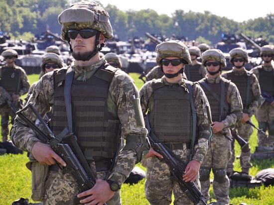 Эксперт назвал подготовкой театра военных действий освоение НАТО Украины