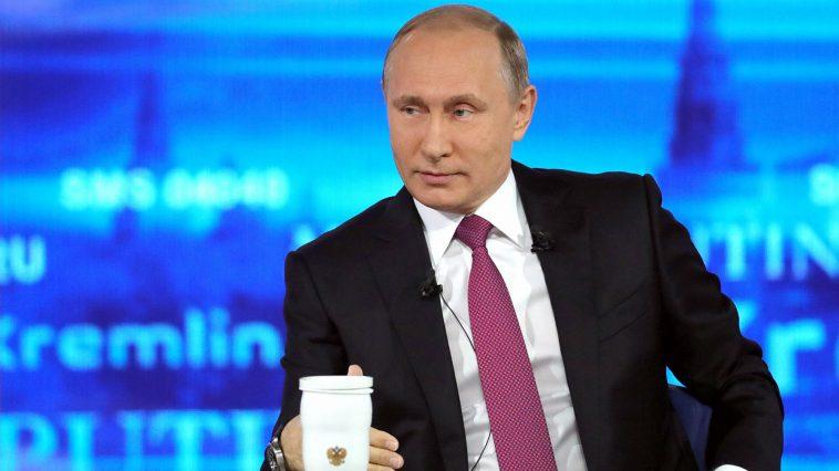 Общение Владимира Путина с россиянами в прямом эфире