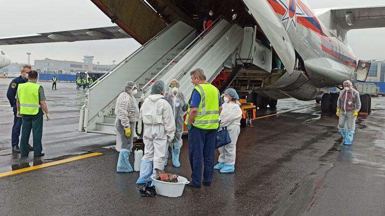 Два самолета МЧС с эвакуированными из сектора Газа гражданами России вылетели из Каира