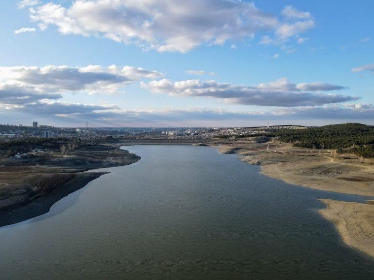 Видео «бешеного перетока» воды в Крыму вызвало истерику у жителей Украины