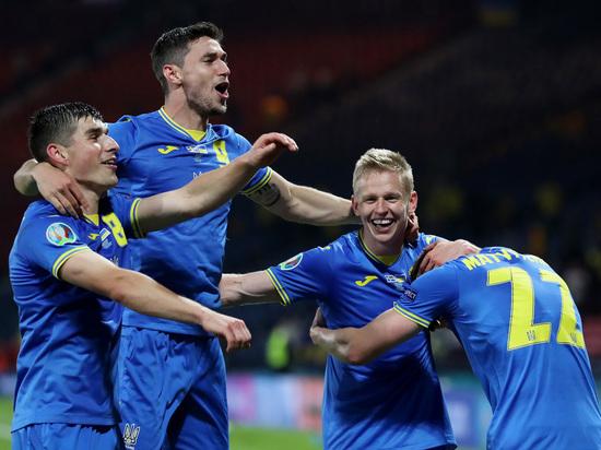 Драма в Глазго: швед сломал игрока Украины, но команда Шевченко все равно победила